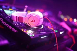 PIONEER DJS